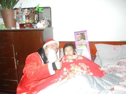 变身 圣诞老人 送礼物/蓝宇外教变身圣诞老人上门送礼物